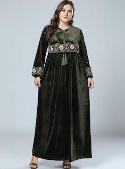 O-neck Embroidered Plus Size Maxi Dress