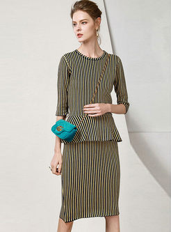 Crew Neck Striped Knitted Skirt Suit