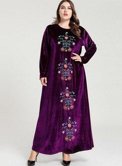 Plus Size O-neck Embroidered Velvet Maxi Dress