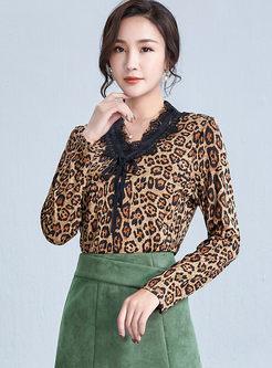 V-neck Lace Patchwork Leopard T-shirt
