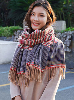 Color-blocked Houndstooth Fringed Scarf