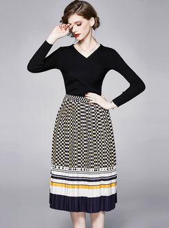 V-neck Slim Sweater Polka Dot Pleated Suit Dress