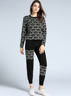 Black Pullover Print Sweater Pant Suits