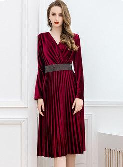 V-neck Long Sleeve Velvet Pleated Dress