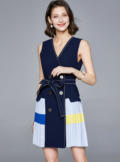 V-neck Sleeveless Patchwork Pleated Mini Dress
