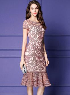Elegant O-neck Embroidered Sheath Mermaid Dress