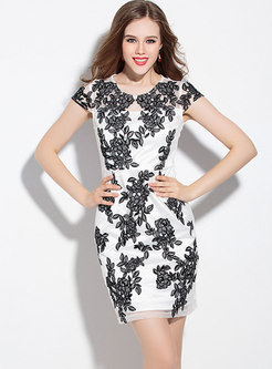 Crew Neck Embroidered Bodycon Cocktail Dress