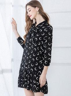 Print Tie-collar Shift Mini Dress