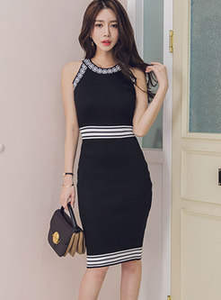 Color-blocked Sleeveless Sheath Sweater Dress