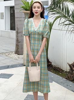 Plaid Puff Sleeve V-neck Midi Dress