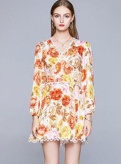 Print V-neck Lace Patchwork Romper