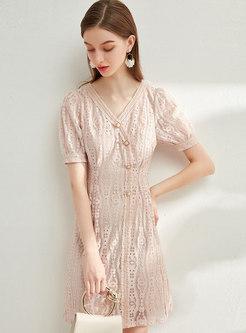 Sweet V-neck Lace Bodycon Dress