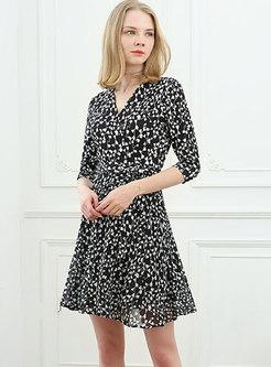 V-neck Floral Half Sleeve Mini Skater Dress