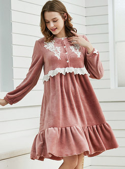 Coral Fleece Patchwork Lace Loose Nightdress