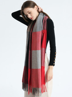 Color-blocked Plaid Fringed Long Scarf