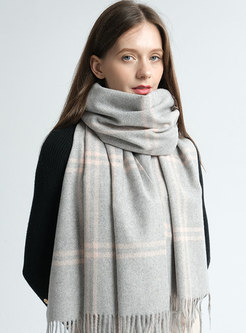 Brief Winter Plaid Fringed Scarf