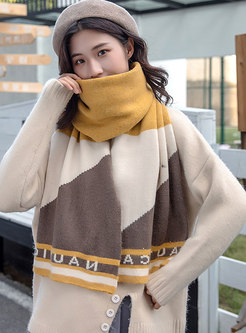 Color-blocked Letter Print Wool Blend Scarf