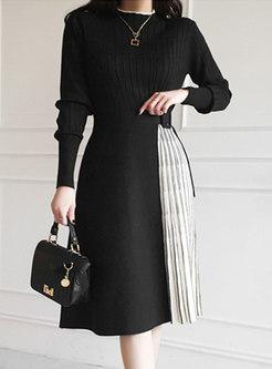 Mock Neck Color-blocked A Line Knitted Dress
