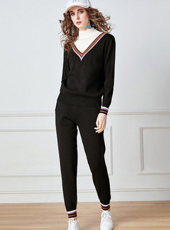 Color-blocked Mock Neck Knitted Pant Suits