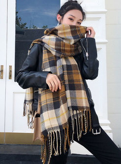 Color Block Plaid Fringed Winter Scarf