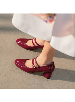 Rounded Toe Low-fronted Chunky Heel Shoes