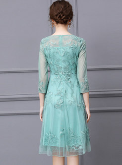Cute Mesh Embroidered Lace Cocktail Dress