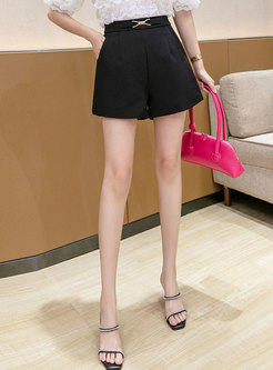Solid Metal Buckle Embellished Zipped Shorts