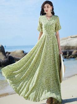 Sweet Floral V-neck Plus Size Beach Dress