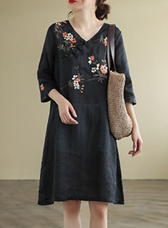 Plus Size Embroidered Knee-length Shift Dress